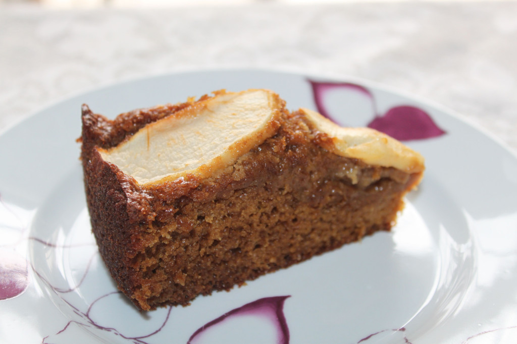 apple gingerbread cake cover